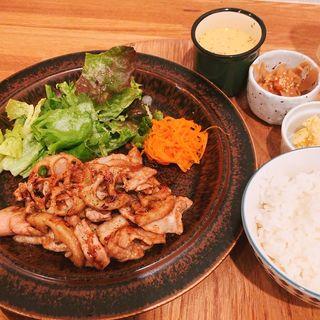 豚肉とレンコンのバルサミコ炒め(uni cafe)
