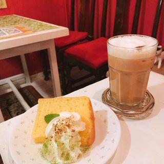 シフォンケーキ(カフェーマル )