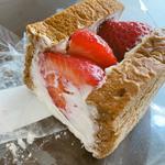 苺のフルーツサンド(オソラカフェ)