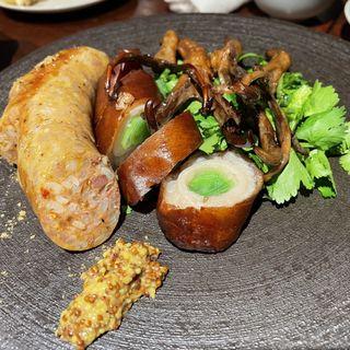 羊ソーセージ、豚の大腸、鴨タン
