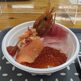 勝手丼(釧路和商市場 (くしろわしょういちば))