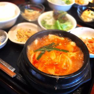 豆腐チゲ定食(韓国家庭料理 はな 白金店 )