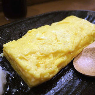出汁たっぷり出し巻き卵(居酒茶屋 鑪)