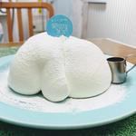 ミルキークリームのふわとろシフォンケーキ(生クリーム専門店ミルク)
