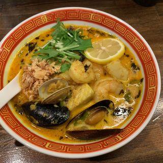 シーフードカレーラーメン(麺や一芯)