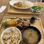 アジフライと唐揚げの定食