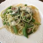 パンツェッタと春野菜のスパゲティ