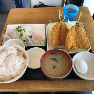アジフライと刺身定食