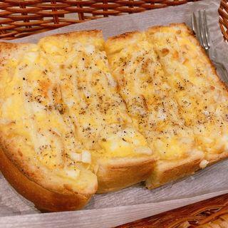 オープン玉子トースト(アロマ 珈琲 )