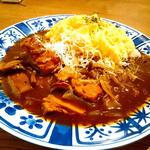 月替わりランチ(水炊きスープで仕上げた 茸たっぷり トロトロたまごのチキンオムライス)(とり田)