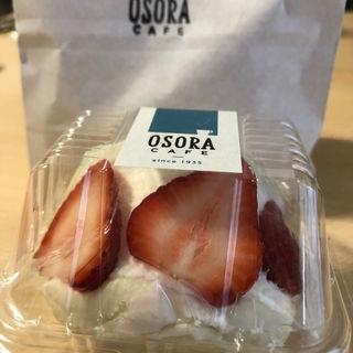 苺のマリトッツォ(オソラカフェ)