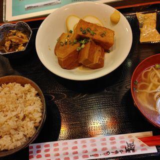 ラフテー定食(う~みや )
