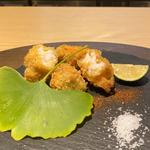 北海道 鮟肝 真鱈白子 海老芋 フライ、酢橘 鰹節と醤油のパウダー