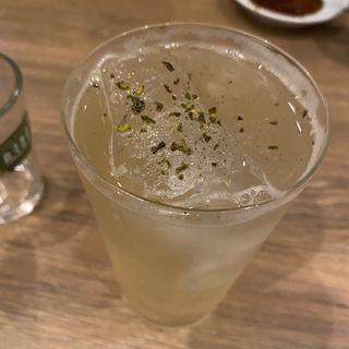 山椒ジンソーダ(ジュウバー)