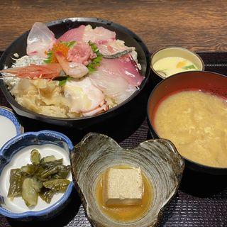 海鮮丼(魚釜 日本橋横山町店 )