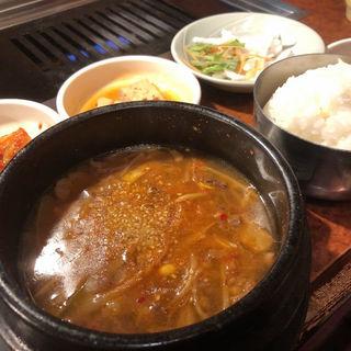 ユッケジャンスープ(焼肉 白雲台 鶴橋駅前店 (ハクウンダイ))