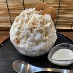 豆腐と黒みつ(くじらのおうち)