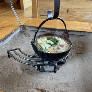 猪肉なべ(猪料理 やまおく (イノシシリョウリ ヤマオク))
