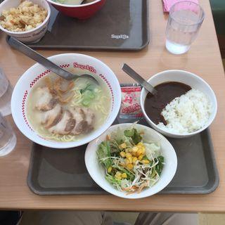 肉入ラーメン&ビーフカレー・サラダセット(スガキヤ 志段味バロー店 )