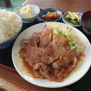 豚の生姜焼き定食(おきた )