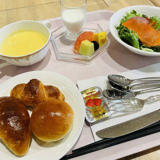 朝食(フォンタナ (FONTANA))