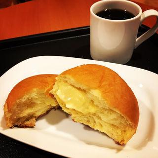 ブリオッシュクリームパン(カフェ・ベローチェ 神田駅北口店 (CAFFE VELOCE))