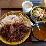 山形米澤豚のカツカレー