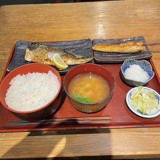 とろ鯖塩焼き定食+サーモンハラス串(白銀屋 溜池分店 (スミビヤキセンモンショクドコロ シロガネヤ))