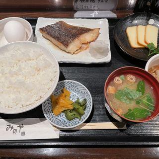 銀カレイ味噌焼き定食(みのや 新店 )