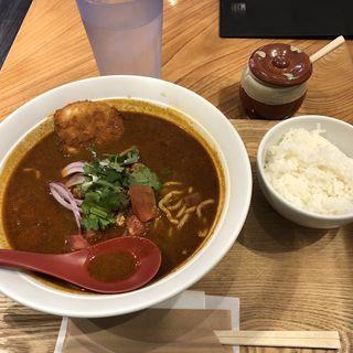 スパイス咖喱担々麺北海道産チキンカツ1枚のせ