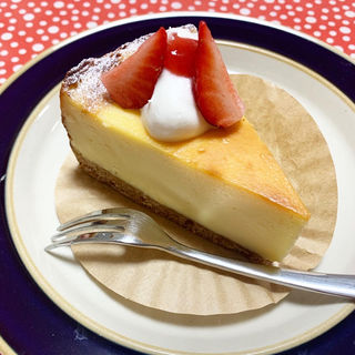 ベイクドチーズケーキ(カフェ カナサ)