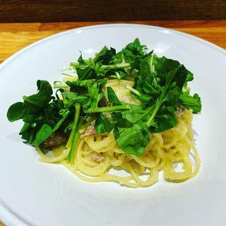 大和豚のサルシッチャとおろし辛味大根のペペロンチーノスパゲティ