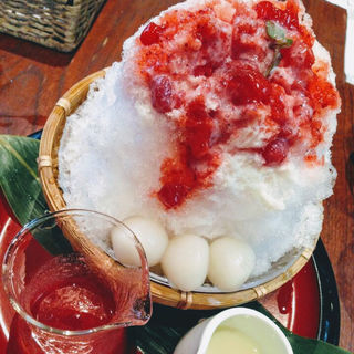 かき氷(いちごミルク)(船橋屋 こよみ 広尾店 (フナバシヤコヨミ))