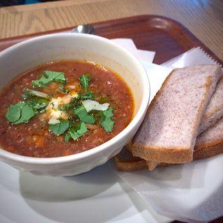 干し野菜の岩手産すずこまトマトスープと黒米パンセット(みのりカフェ 仙台店 )