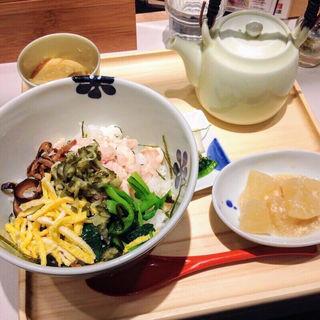 奄美大島 鶏飯風だし茶漬け