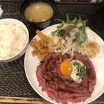ローストビーフ定食(並) (3番人気)