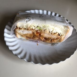 ローストナッツチキンサンド