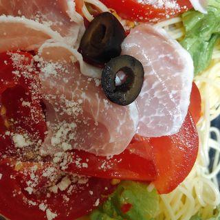 生ハムとトマトの冷製パスタ