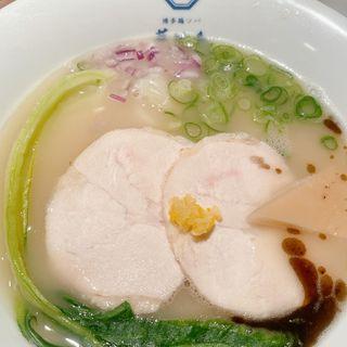華味鳥水炊き鶏ソバ