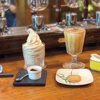 オリジナルコーヒーソフトクリーム(カフェ ロストロ)