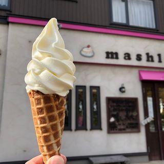 ソフトクリーム(手焼きワッフル)
