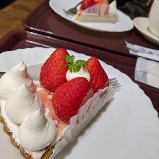 いちごショートケーキ(三びきの子ぶた)
