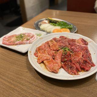 にぎわいセット(和牛カルビ、和牛ロース、ハラミ、豚ロース、焼野菜)