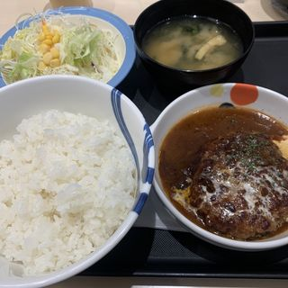 ブラウンソースハンバーグ定食