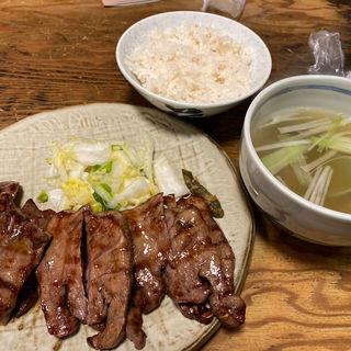 牛たん焼定食 C定食(たん12切れ)