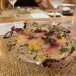 五島列島産 イサキ カルパッチョ仕立て サフラン風味のクスクス