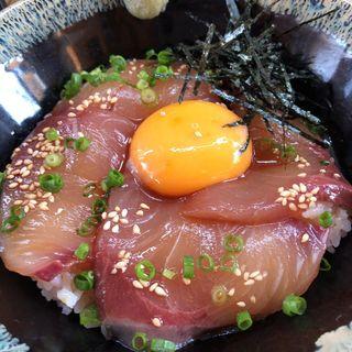 オリーブハマチの漬け丼(並)