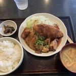 日替り 生姜焼き、メンチカツ