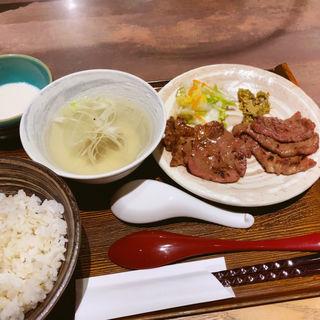 焼き牛タン定食
