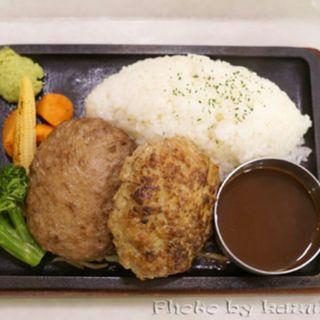 金格・黒格ハンバーグ食べ比べプレート(格之進ハンバーグ)